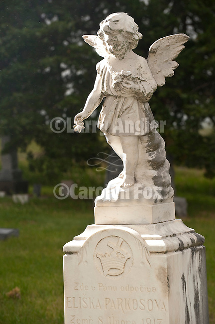 Angel headstone, St. Wenceslaus Church, Netolice now Geranium, Valley Co., Nebraska.