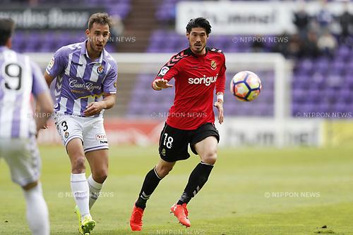 "(L-R) Angel Garcia (Valladolid), Daisuke Suzuki (Tarragona), MARCH 25, 2017 - Football / Soccer : Spanish ""Liga 123"" match between Real Valladolid 1-2 Gimnastic Tarragona at the Estadio Jose Zorrilla in Valladolid, Spain. (Photo by Mutsu Kawamori/AFLO) [3604]"