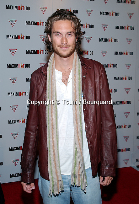 Oliver Hudson arriving at the HOT 100 party organize by Maxim  at Yamashiro restaurant in Los Angeles. April 25, 2002.           -            HudsonOliver01AA.jpg