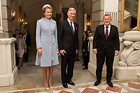Le roi Philippe de Belgique et la reine Mathilde de Belgique en visite d'Etat au Danemark, sont accueillis  par Lars L&oslash;kke Rasmussen, le Premier Ministre du Danemark.<br /> Danemark, Copenhague, 28 mars 2017.<br /> King Philippe of Belgium &amp; Queen Mathilde of Belgium meet with Prime Minister Lars L&oslash;kke Rasmussen, during a State Visit to Copenhagen in Denmark.<br /> Denmark, Copenhagen, March 28, 2017.