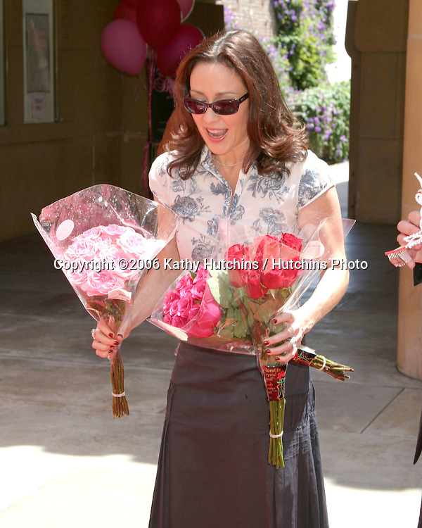 Patricia Heaton getting ready to crown contestant winners.The Bituminous Coal Queens of Pennsylvania Screening hosted by Netflix and Patricia Heaton.Egyptian Theater.Los Angeles, CA.June 4, 2006.©2006 Kathy Hutchins / Hutchins Photo....