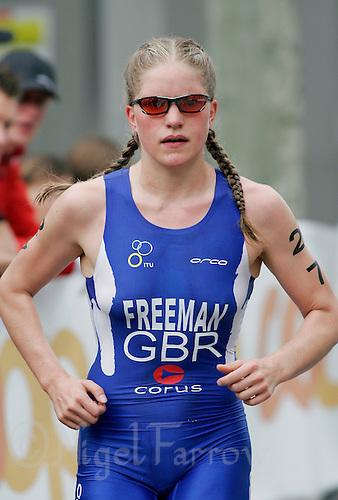 03 SEP 2006 - LAUSANNE, SUI - Henrietta Freeman (GBR) - U23 Womens World Triathlon Championships .(PHOTO (C) NIGEL FARROW)