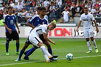 Noel Knothe (Eintracht Frankfurt) zieht ab gegen Javan Torre Howell (FSV Frankfurt) - 06.08.2017: Eintracht Frankfurt vs. FSV Frankfurt, Saisoneröffnung, Commerzbank Arena