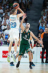 Real Madrid Jaycee Carroll and Panathinaikos Nick Calathes during Turkish Airlines Euroleague Quarter Finals 3rd match between Real Madrid and Panathinaikos at Wizink Center in Madrid, Spain. April 25, 2018. (ALTERPHOTOS/Borja B.Hojas)