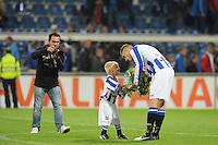 VOETBAL: HEERENVEEN: Abe Lenstra Stadion, 15-09-2012, SC Heerenveen - ADO Den Haag, Eindstand 1-3, Alfreð Finnbogason (#11 | SCH) krijgt de bloemen als 'Man of the Match', ©foto Martin de Jong