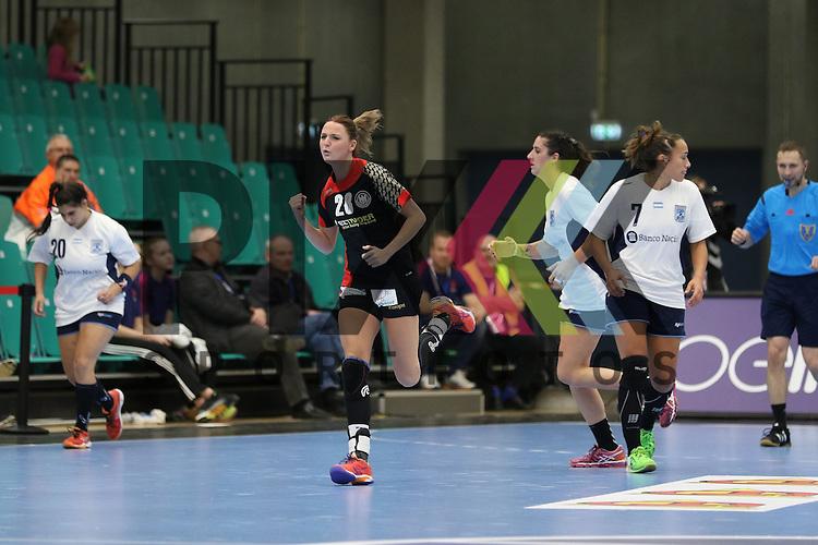 Kolding (DK), 07.12.15, Sport, Handball, 22th Women's Handball World Championship, Vorrunde, Gruppe C, Deutschland-Argentinien : Jubel / Torjubel bei  Franziska M&uuml;ller (Deutschland, #28)<br /> <br /> Foto &copy; PIX-Sportfotos *** Foto ist honorarpflichtig! *** Auf Anfrage in hoeherer Qualitaet/Aufloesung. Belegexemplar erbeten. Veroeffentlichung ausschliesslich fuer journalistisch-publizistische Zwecke. For editorial use only.