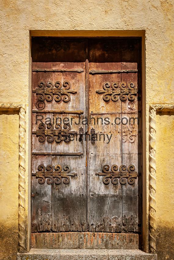 Spanien, Andalusien, Provinz Málaga, Ronda: alte Holztuer | Spain, Andalusia, Province Málaga, Ronda: old, wooden door