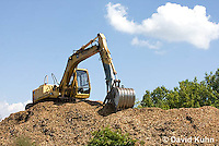 0713-1104  Backhoe (back actor, rear actor), Excavating Equipment  © David Kuhn/Dwight Kuhn Photography