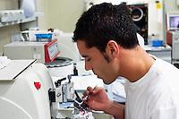 I laboratori di analisi dell'Istituto Europeo di Oncologia IEO. Milano, 22 dicembre, 2007.<br /> <br /> Analysis laboratory of the European Institut of Oncology. December 22, 2007.
