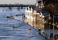 Overstroming van de kade in Deventer