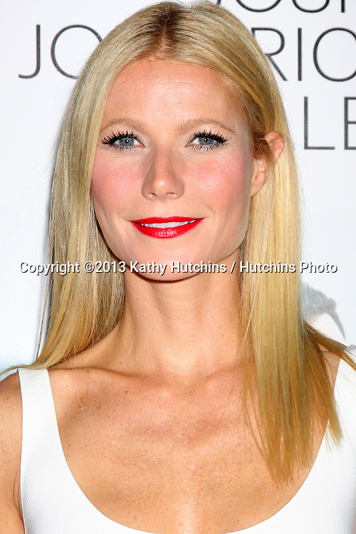 "LOS ANGELES - SEP 16:  Gwyneth Paltrow at the ""Thanks for Sharing"" Premiere  at ArcLight Hollywood Theaters on September 16, 2013 in Los Angeles, CA"