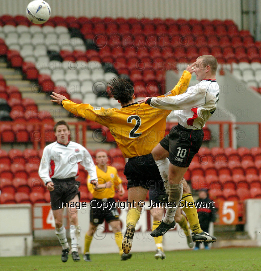 20040417    Copyright Pic: James Stewart.File Name : jspa07_clyde_v_raith.JAMES GIBSON SCORES CLYDE'S THIRD....James Stewart Photo Agency 19 Carronlea Drive, Falkirk. FK2 8DN      Vat Reg No. 607 6932 25.Office     : +44 (0)1324 570906     .Mobile  : +44 (0)7721 416997.Fax         :  +44 (0)1324 570906.E-mail  :  jim@jspa.co.uk.If you require further information then contact Jim Stewart on any of the numbers above.........