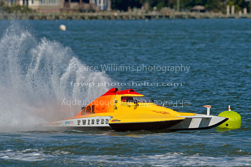 "A-581 ""Twister""       (2.5 MOD class hydroplane(s)"