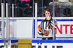 S&ouml;dert&auml;lje 2014-10-23 Ishockey Hockeyallsvenskan S&ouml;dert&auml;lje SK - Malm&ouml; Redhawks :  <br /> domare Peter Lyth pratar med m&aring;ldomare i samband med Malm&ouml; Redhawks 2-1 m&aring;l<br /> (Foto: Kenta J&ouml;nsson) Nyckelord: Axa Sports Center Hockey Ishockey S&ouml;dert&auml;lje SK SSK Malm&ouml; Redhawks domare referee ref