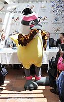 BOGOTA - COLOMBIA - 20-02-2013: Bichofué Griton es la mascota de los Juegos Mundiales Cali 2013, durante presentación en Bogotá, febrero 20 de 2013. (Foto: VizzorImage / Luis Ramírez / Staff).  Bichofué Griton is the mascot of the World Games 2013 Cali, during the presentation in Bogotá, February 20, 2013. (Photo: VizzorImage / Luis Ramirez / Staff)...