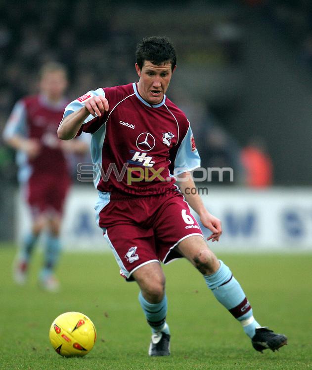 Pix: John Clifton/SWpix.com. Football... Scunthorpe v Bury. 15/01/2005...COPYRIGHT PICTURE>>SIMON WILKINSON>>01943 608782>>..Cliff Byrne - Scunthorpe