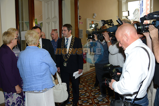 Councillor Oscar Yildiz JP The Mayor of Moreland, the municipality in Melbourne where Drogheda woman Jill Meagher was brutally raped and murdered in September last is holidaying in Europe and made the trip to Drogheda to meet members of the Meagher and McKeown families. He was officially welcomed to the town by Cllr Richie Culhane, Mayor of Drogheda and other local representatives at the Tholsel<br /> Picture:  Andy Spearman / www.newsfile.ie