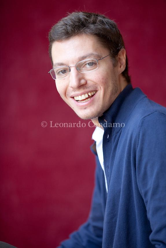 Giovanni Montanaro (Venezia, 1983) è uno scrittore italiano. ... Nel 2008 è stato selezionato per il progetto Scritture Giovani del Festivaletteratura di Mantova. Mantova, settembre 2012. © Leonardo Cendamo