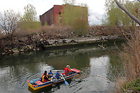 (050424-SWR072) 24 April 2005 - Brooklyn, NY - Volunteers from The Urban Divers Estuary Conservancy cleanup  the Gowanus Canal as an Earth Day initiative...© Stacy Walsh Rosenstock
