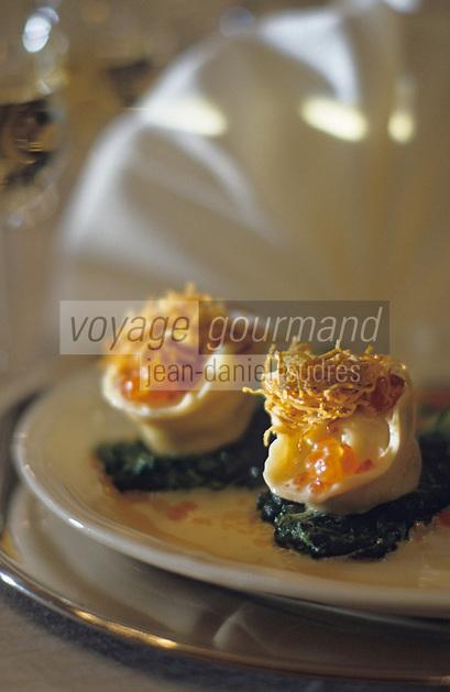 """Europe-Asie/Russie/Saint-Petersbourg: Pelmini de sandre au caviar rouge - Recette du restaurant """"The Noble Nest"""""""