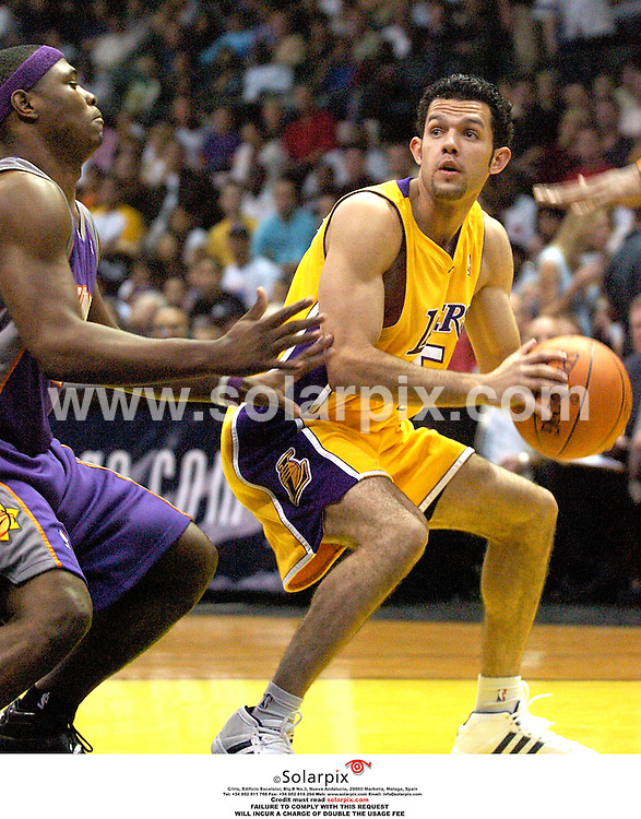 ALL ROUND PICTURES BY SOLARPIX.COM.**MUST CREDIT SOLARPIX.COM OR DOUBLE FEE WILL BE CHARGED**.**UK,DUBAI,AUS,SA ONLY**.The Lakers basketball  Los Angeles Lakers vs Phoenix Suns at the IPayOne Center in San Diego in California in the USA held on the 22_10_06...DATE:27_10_06    JOB_REF:2984-PHZ