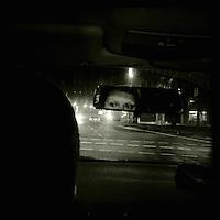 Eine Frau im Auto bei Nacht. Berlin Streetviews<br />1.12.2013, Berlin<br />Copyright: Christian-Ditsch.de<br />[Inhaltsveraendernde Manipulation des Fotos nur nach ausdruecklicher Genehmigung des Fotografen. Vereinbarungen ueber Abtretung von Persoenlichkeitsrechten/Model Release der abgebildeten Person/Personen liegen nicht vor. NO MODEL RELEASE! Don't publish without copyright Christian-Ditsch.de, Veroeffentlichung nur mit Fotografennennung, sowie gegen Honorar, MwSt. und Beleg. Konto:, I N G - D i B a, IBAN DE58500105175400192269, BIC INGDDEFFXXX, Kontakt: post@christian-ditsch.de<br />Urhebervermerk wird gemaess Paragraph 13 UHG verlangt.]