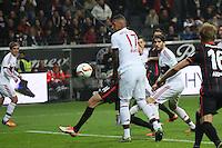 Chance Alex Meier (EIntracht) gegen Jerome Boateng (Bayern)  - Eintracht Frankfurt vs. FC Bayern Muenchen, Commerzbank Arena