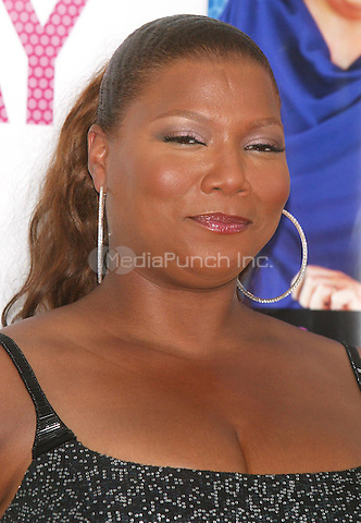 Queen Latifah arriving for the New York Premiere Screening of &quot;HAIRSPRAY&quot; at the Ziegfeld Theater. July 16, 2007 <br /> <br /> &copy; Joseph Marzullo / MediaPunch