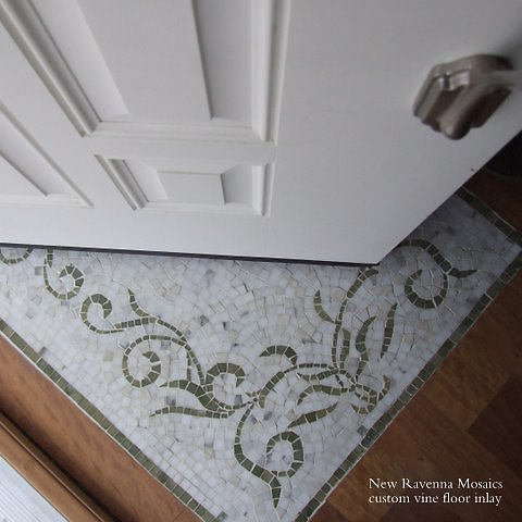 Custom Organic Vine rug shown in Calacatta Tia and Verde Luna.