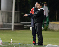 BOGOTÁ -COLOMBIA-29-01-2016. Nilton Bernal técnico de Fortaleza FC dialoga con su asistente durante partido contra Jaguares FC por la fecha 1 de Liga Águila I 2016 jugado en el estadio Metropolitano de Techo en Bogotá./ Nilton Bernal coach of Fortaleza FC talks with his assistant during the match against Jaguares FC for the date 1 of the Aguila League I 2016 played at Metropolitano de Techo stadium in Bogota. Photo: VizzorImage / Gabriel Aponte / Staff