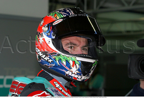 TROY CORSER (AUS), Foggy Petronas, Superbike World Championship Race, Ricardo Tormo Circuit, Valencia, 030302. Photo: Neil Tingle/Action Plus...2003 .man men superbikes motorcycle motorcycles bike bikes.portrait portraits helmet...