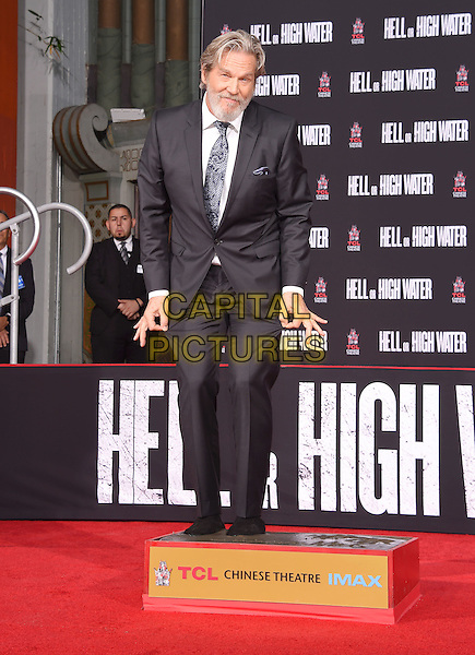 HOLLYWOOD, CA - JANUARY 06: Actor Jeff Bridges attends his' hand and footprint ceremony at the TCL Chinese Theatre IMAX on January 6, 2017 in Hollywood, California.<br /> CAP/ROT/TM<br /> &copy;TM/ROT/Capital Pictures