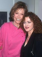 Mary Tyler Moore Bernadette Peters 2000<br /> Photo By John Barrett/PHOTOlink.net