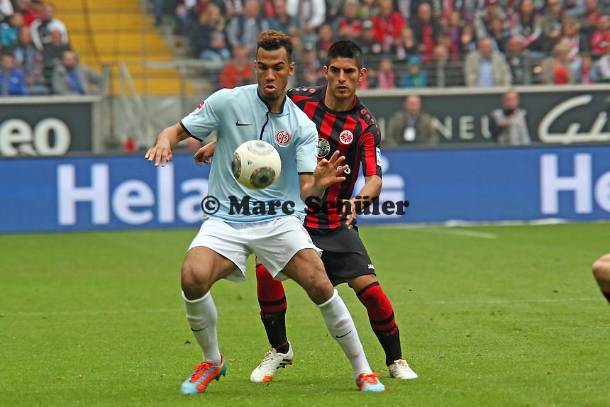Eric-Maxim Choupo-Moting (mainz) gegen Carlos Zambrano (Eintracht)  - Eintracht Frankfurt vs. 1. FSV Mainz 05