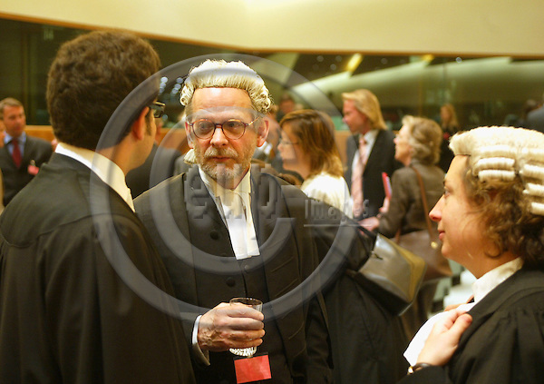LUXEMBOURG - LUXEMBOURG - 8 JUNE 2004--SWEDISH MATCH in the European Court--Gerald BARLING (M) who representented Swedish Match in the hearing on tobacco products for oral use, consulting with his assistants.-- PHOTO: ERIK LUNTANG / EUP-IMAGES