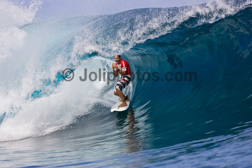 JOEL PARKINSON (AUS) competing in the Billabong Pro at Teahupoo, Tahiti. Photo: Joli