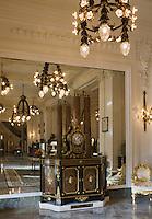 Europe/France/Aquitaine/64/Pyrénées-Atlantiques/Pays Basque/ Biarritz: Hôtel du Palais, le Hall et ses salons.