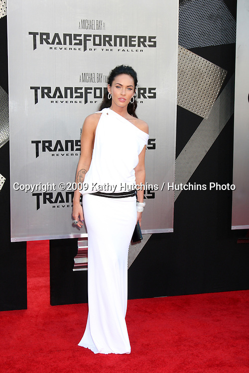 """Megan Fox arriving at the """"Transformers: Revenge of the Fallen"""" Premiere at the Mann's Village Theater in Westwood, CA  on June 22, 2009.  .©2009 Kathy Hutchins / Hutchins Photo"""