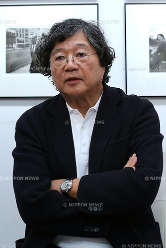 "Magazine editor Jiro Ishikawa speaks during a talk session with photographer Tenmei Kano at Kano's photo exhibition ""New York 1969"" at a gallery in Tokyo, Japan October 31, 2014.  (Photo by Yuriko Nakao /AFLO)"