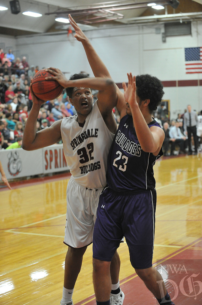 NWA Democrat-Gazette/MICHAEL WOODS • @NWAMICHAELW<br /> Fayetteville High School vs Springdale High School Friday, January 15, 2016 during their basketball game at Springdale High School.