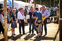 Prime ministers from Denmark, Finland and Sweden arriving to camp. Photo: Mikko Roininen / Scouterna