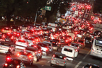 SAO PAULO, SP, 27-05-2014, TRANSITO. A Radial Leste na altura do bairro da Mooca zona leste de Sao Paulo, apresenta transito intenso no inico da noite dessa terca-feira (27)    Luiz Guarnieri/ Brazil Photo Press.