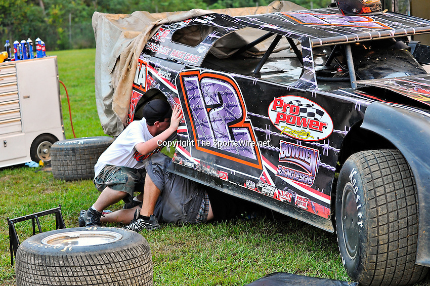 Aug 13, 2010; 7:12:18 PM; Union, KY., USA; The ìSunoco Race Fuels North/South 100î running a 50,000-to-win event presented by Lucas Oil at Florence Speedway in Union, KY. Mandatory Credit: (thesportswire.net)