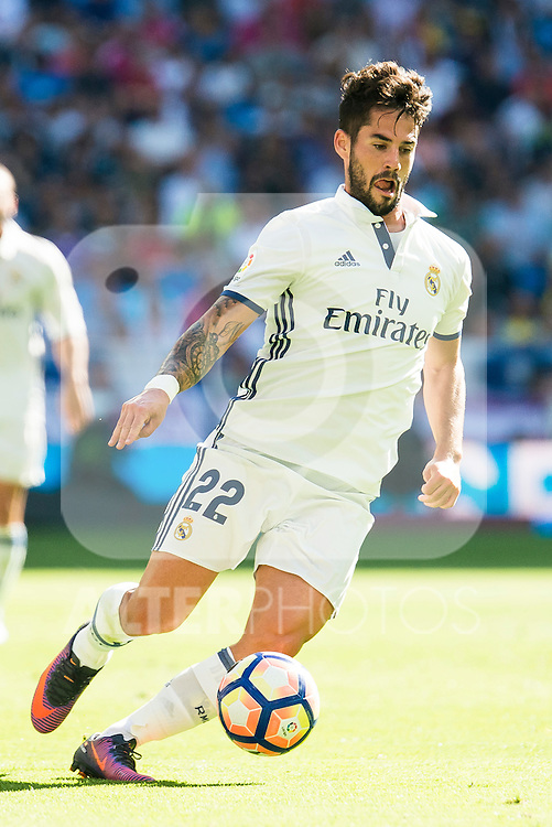 "Real Madrid's player Francisco Roman ""Isco""during a match of La Liga Santander at Santiago Bernabeu Stadium in Madrid. October 02, Spain. 2016. (ALTERPHOTOS/BorjaB.Hojas)"