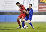 2015-10-31 /voetbal / seizoen 2015 - 2016 / Olmen - Wezel / Een duel om de bal tussen Arslan (l) (Olmen) en Somers (r) (Wezel)