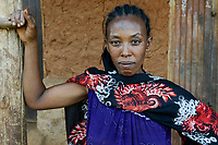 ETHIOPIA Province Benishangul-Gumuz, town Debate , ethiopian woman with tattooed cross on the forehead/ AETHIOPIEN, Provinz Benishangul-Gumuz, Stadt Debate, orthodoxe Christin mit taetowiertem Kreuz auf der Stirn
