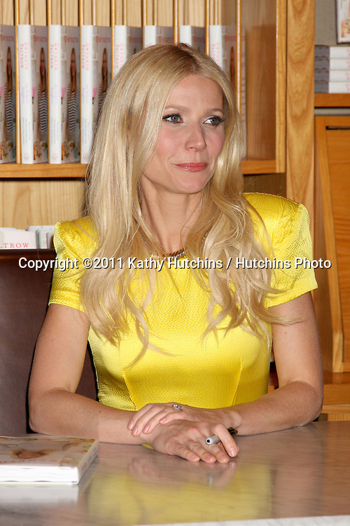 "LOS ANGELES - APR 21:  Gwyneth Paltrow at the Booksigning for her book ""My Father's Daughter: Delicious, Easy Recipes Celebrating Family & Togetherness"" at Williams-Sonoma on April 21, 2011 in Beverly Hills, CA.."