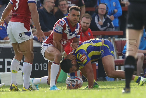 July 1st 2017, Beaumont Legal Stadium, Wakefield, England; The Betfred Super Leauge; Wakefield Trinity versus Warrington Wolves; Ben Harrison of Warrington Wolves is tackled