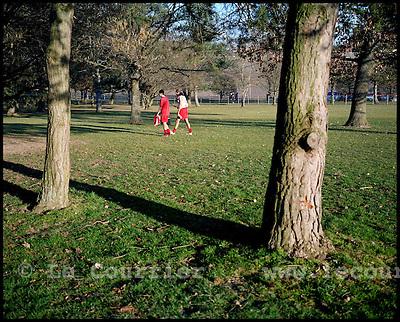 Genève, le 23.02.2008.Centre sportif de Vessy, des joueurs de foot amateurs quittent le terrain après un match..© J.-P. Di Silvestro / Le Courrier