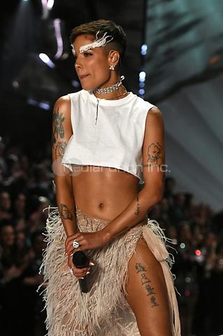NEW YORK, NY - NOVEMBER 08: Halsey at the 2018 Victoria's Secret Fashion Show at Pier 94 on November 8, 2018 in New York City. Credit: John Palmer/MediaPunch